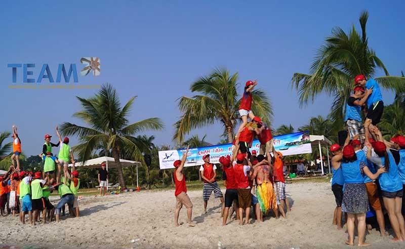xay tháp người teambuilding